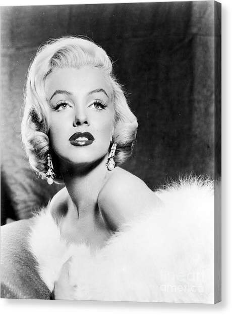 Marilyn Monroe Canvas Print - Marilyn Monroe (1926-1962) by Granger