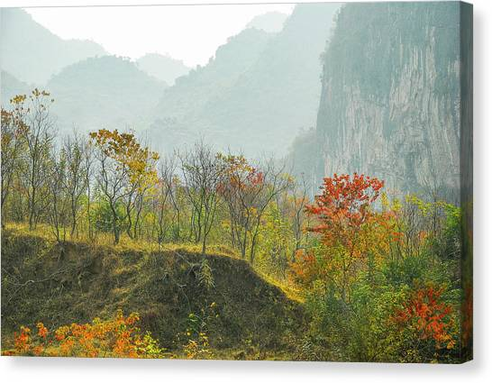 The Colorful Autumn Scenery Canvas Print