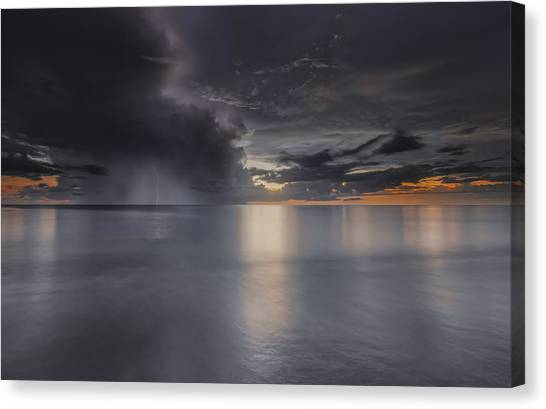 Sunst Over The Ocean Canvas Print