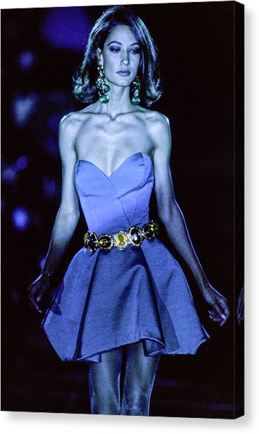 Versace Fall 1991 Rtw Show Canvas Print by Guy Marineau