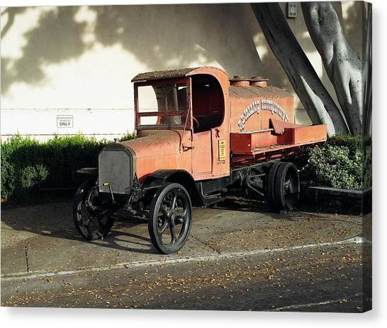 1922 Mack Truck Canvas Print