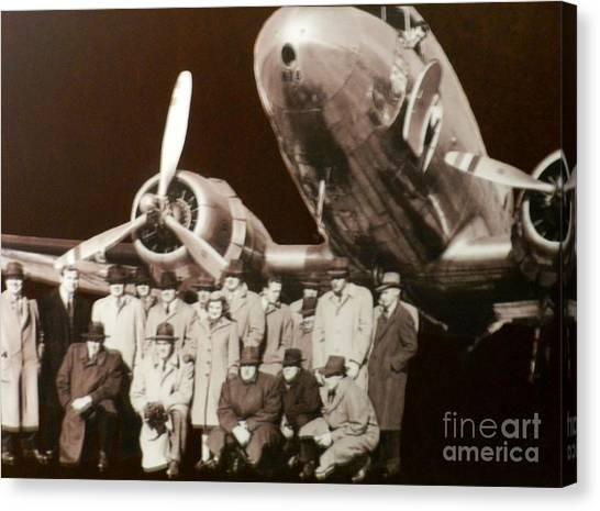 Reggie White Canvas Print - 1940 Packers First Team To Fly Airlines by Snapshot Studio