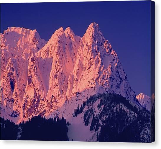 1m4503-a Three Peaks Of Mt. Index At Sunrise Canvas Print
