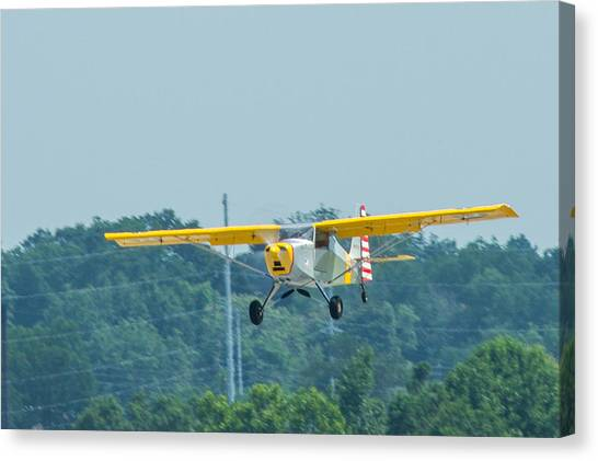 Cracker Fly-in Canvas Print