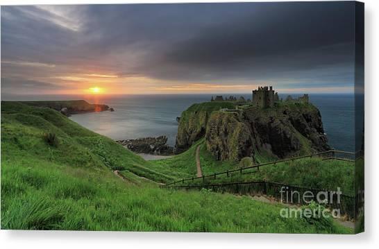 Dunnottar Castle At Sunrise Canvas Print