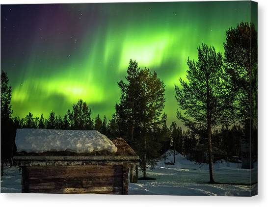 Sapmi Hut Under The Northern Lights Karasjok Norway Canvas Print