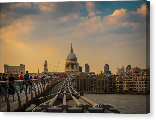 Canvas Print featuring the photograph Thames View by Stewart Marsden