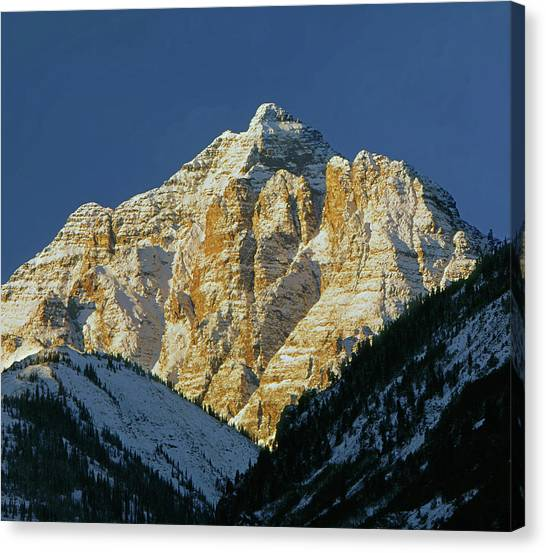 210418 Pyramid Peak Canvas Print