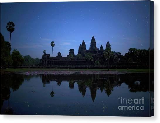 Angkor Wat Canvas Print by Stefano SmallBoy Tomassetti - Photodreamer