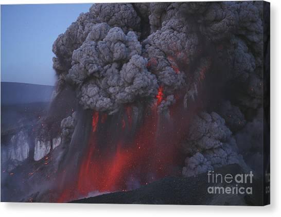 Eyjafjallajokull Canvas Print - Eyjafjallajökull Eruption, Summit by Martin Rietze