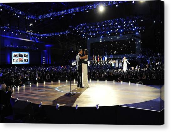 Bswh052011 Canvas Print - President And Michelle Obama by Everett