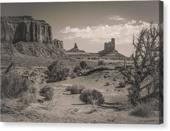 #3326 - Monument Valley, Arizona Canvas Print