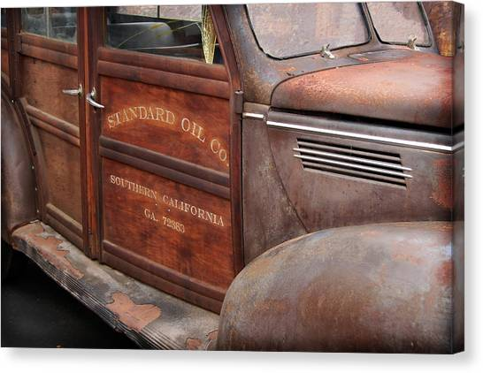 39 Soc Woody Canvas Print