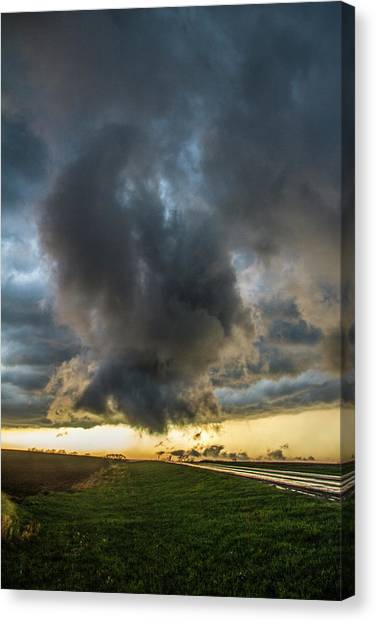Canvas Print featuring the photograph 3rd Storm Chase Of 2018 050 by NebraskaSC