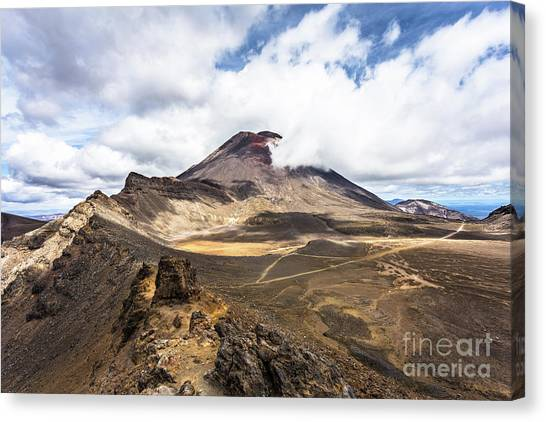 Tongariro Alpine Crossing In New Zealand Canvas Print
