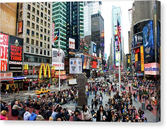 42nd Street In New York City Canvas Print