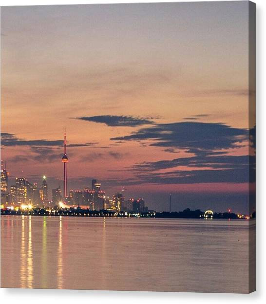 Toronto Skyline Canvas Print - [5/6] --> Full Picture In Gallery 🌇 by Nila Sivatheesan