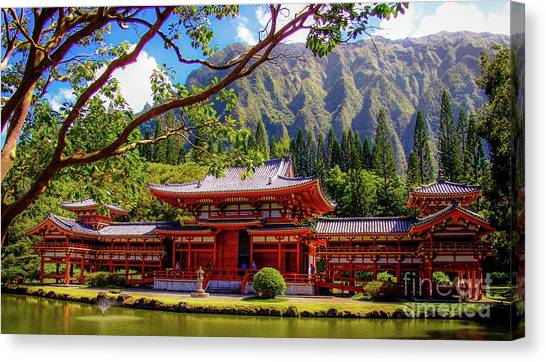 Canvas Print featuring the photograph Buddhist Temple - Oahu, Hawaii - by D Davila
