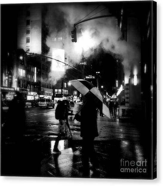 A Foggy Night In New York Town - Checkered Umbrella Canvas Print