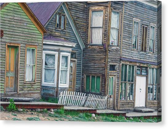 A Haimish Abode From A Bygone Era Canvas Print