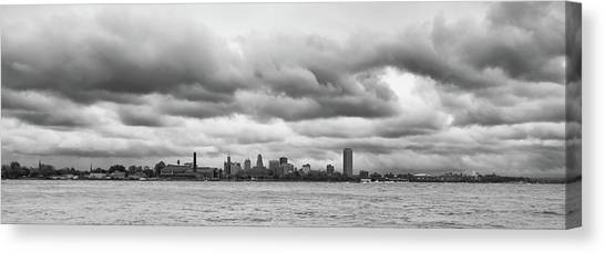 A Rotten Day In Buffalo  9230 Canvas Print