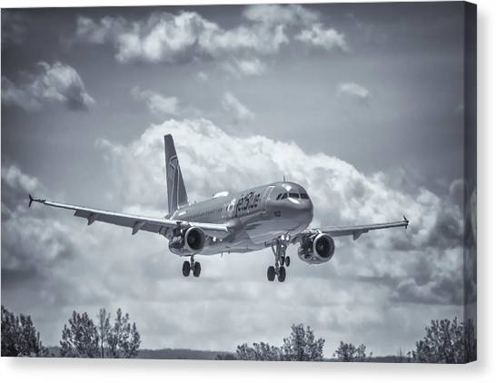Jetblue Canvas Print - A320 On Approach by Guy Whiteley