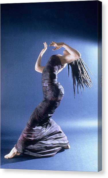 African Dancer Left View Canvas Print by Gordon Becker