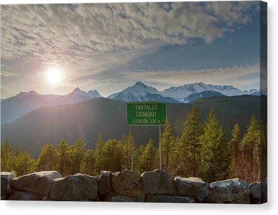 Canvas Print - Afternoon Sun Over Tantalus Range From Lookout by David Gn
