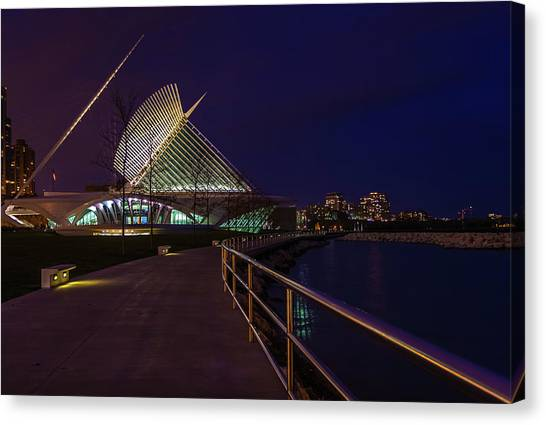 An Evening Stroll At The Calatrava Canvas Print
