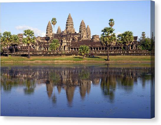 Angkor Wat Canvas Print by Liz Pinchen