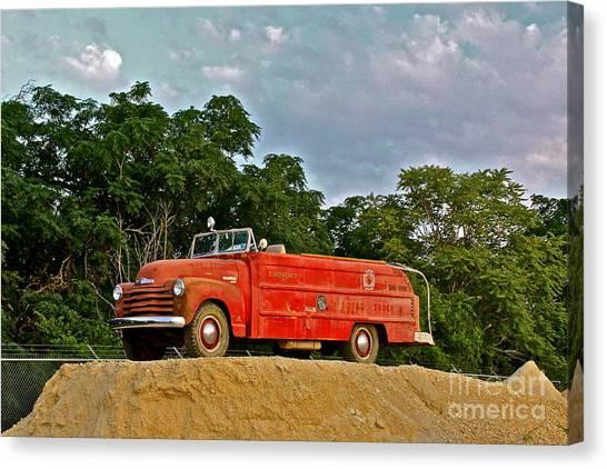 Antique Fire Truck - 8205 Canvas Print