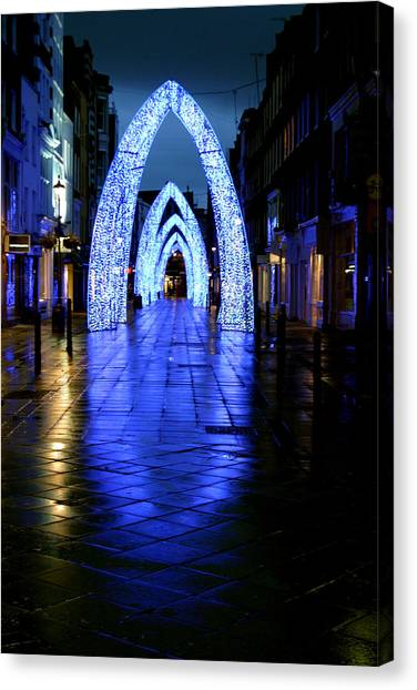 Arch To Freedom Canvas Print by Jez C Self
