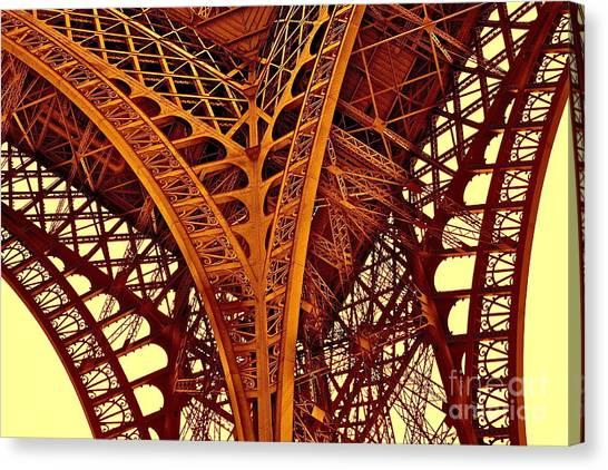 Au Pied De La Tour Eiffel Canvas Print