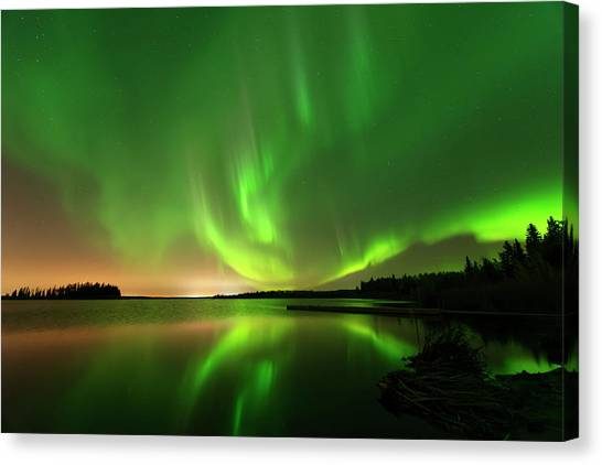 Aurora Borealis At Elk Island National Park Canvas Print