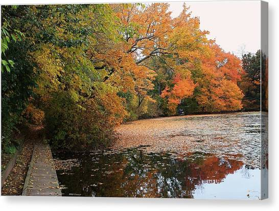 Autumn At The Lake Canvas Print