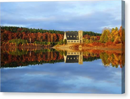 Autumn Sunrise At Wachusett Reservoir Canvas Print