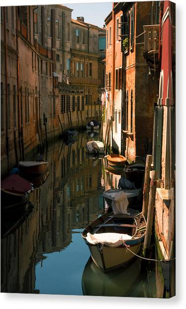 Back Canal In Venice Canvas Print by Michael Henderson