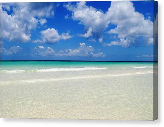 Bahama's Heaven Canvas Print by Karla Kernz
