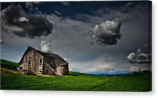 Barn No.1 Canvas Print