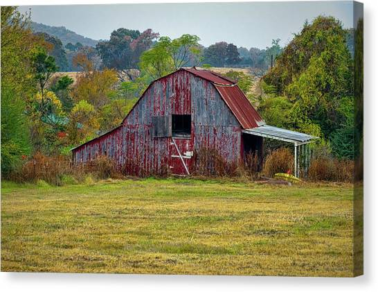 Barn On White Oak Road Canvas Print