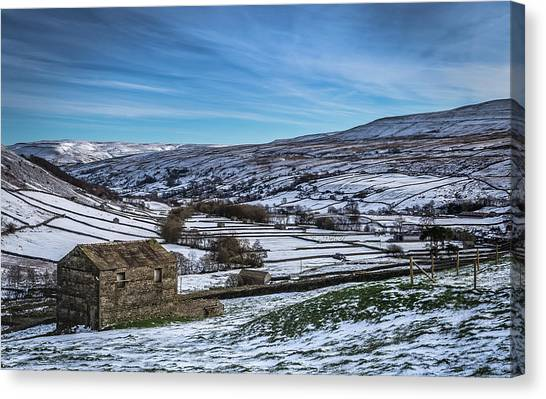 Barn View In The Snow. Canvas Print by Yorkshire In Colour