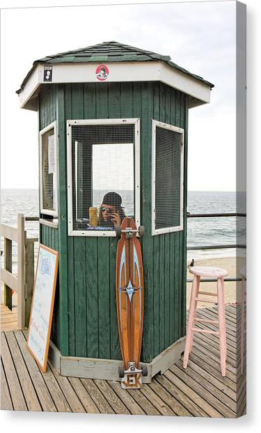 Beach Kiosk Long Branch Nj Canvas Print by Eric Levin