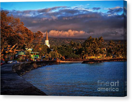 Beach Town Of Kailua-kona On The Big Island Of Hawaii Canvas Print
