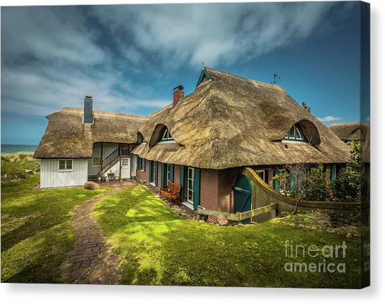 Beautiful Cottage Canvas Print