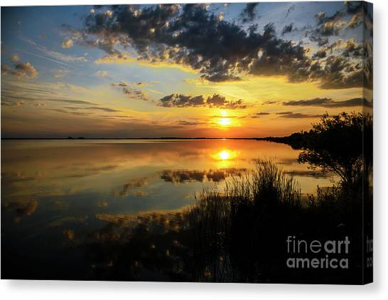 Beautiful Sunset At The Lake Canvas Print