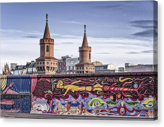 Canvas Print featuring the photograph Berlin Wall by Juergen Held