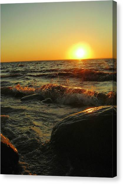 Between A Rock And A Sunny Place Canvas Print by Peter Mowry