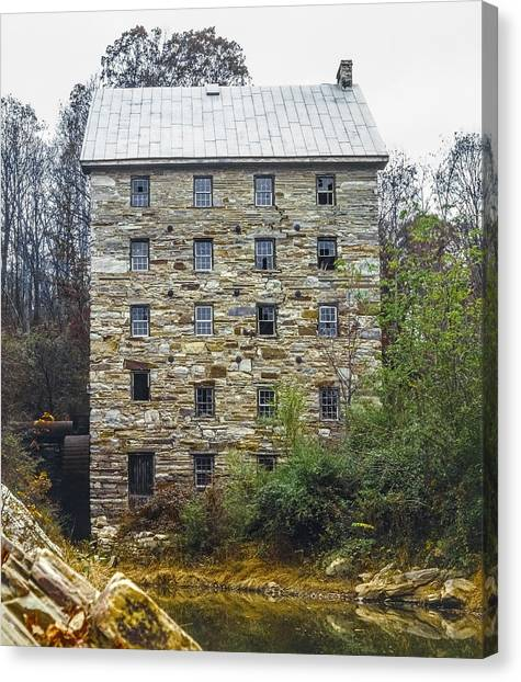 Beverly Mill II Canvas Print