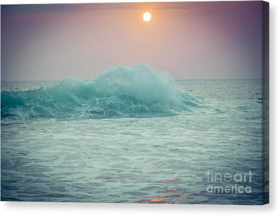 Big Ocean Wave At Sunset With Sun Canvas Print