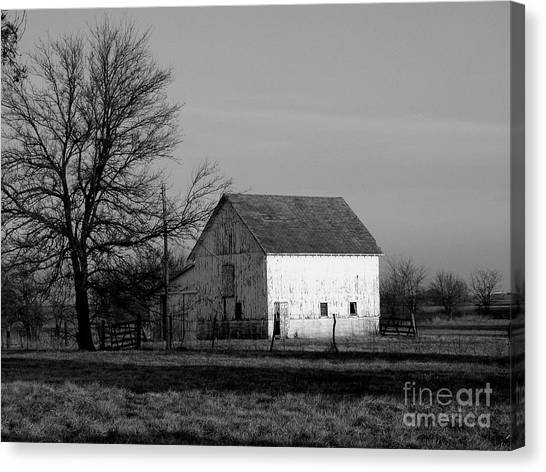 Black And White Barn Ll Canvas Print by Michelle Hastings